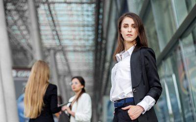Introwertyk czyekstrawertyk – kto jest lepszym liderem?